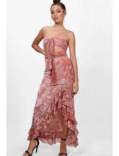Lace ruffled dress brand new