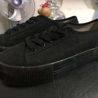 H&M Divided Black Shoes