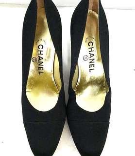Reprice CHANEL black pumps Authentic