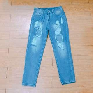 Tattered Boyfriend Jeans!