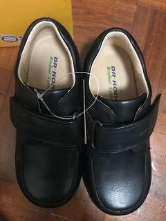 全新 Dr Kong 番學26碼皮鞋
