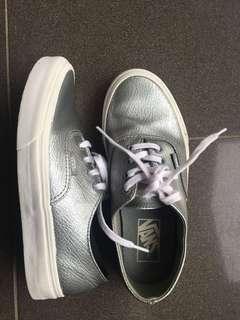 Vans authentic original silver