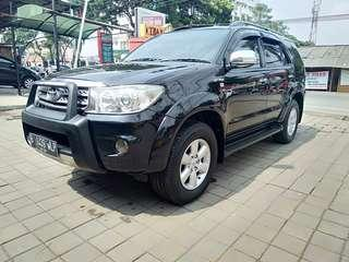 Fortuner g lux at 2010