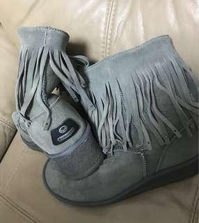Koolaburra boots with wool inside/Koolaburra 毛毛短靴