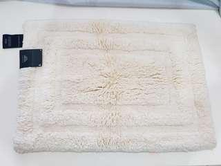 SALE Luxe Branded Rug for 800 only