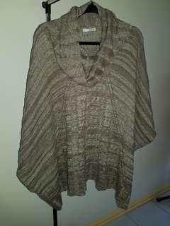 Womens Knitted Poncho Size 18