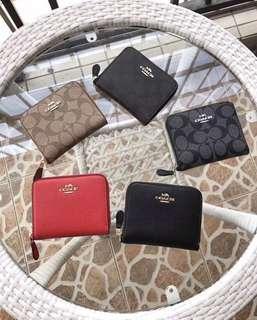 COACH 30308 新款女士短夾 拉鏈短夾 內置拉鏈隔層 零錢袋 附購證