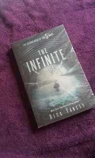 The infinite sea by rick yancey (imported book)