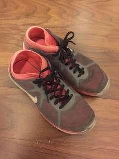 nike shoes thin