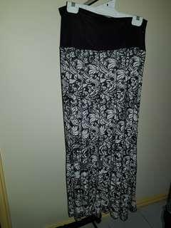 Black and White skirt plus size