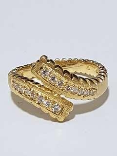 🚚 Majestic 18K Yellow Gold Diamond Ring