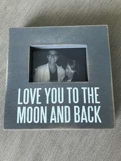 Frames box - love you to the moon and back