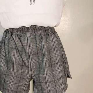 🚚 格子短褲M28