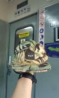 Topi HUF snapback floral