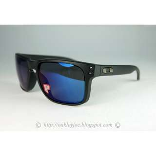 0486f53940 BNIB Oakley Holbrook matte black + ice iridium polarized oo9102-52