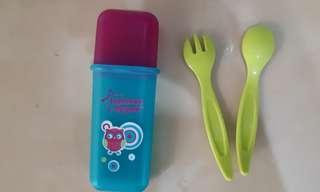 Sendok garpu & tempat penyimpanan
