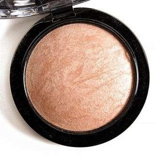 BRAND NEW MAC MINERALIZE SKINFINISH IN SHADE SOFT AND GENTLE