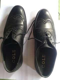 oxford shoes brand COLE