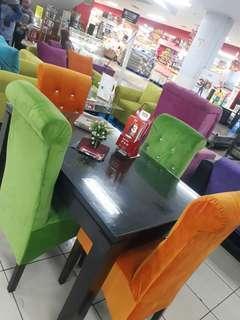 Meja Makan Cantik Bisa Kredit Dengan Bunga 0% Hayoo silahkaan