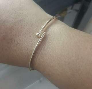 18k Saudi Gold Nail Bracelet in size Small 7