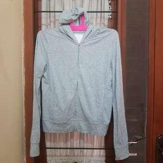jaket sweater uniqlo olahraga gym sport