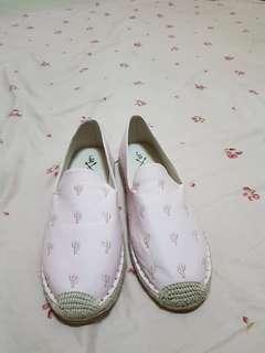 男生的粉色鞋zalora 美碼US10.5歐碼44長度 28.5公分