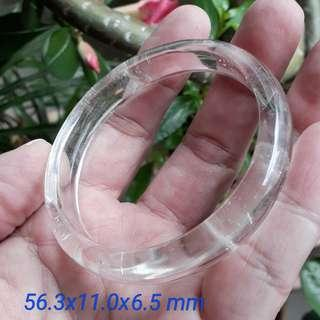 Clear crystal bangle(白水晶 手镯). Size: 56.3x11.0x6.5 mm.