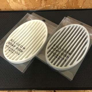 🚚 【全新】韓國帶回  矽膠 軟矽膠 肥皂盤 矽膠肥皂盤 肥皂架 浴室小物 居家用品 肥皂收納 肥皂瀝水盤