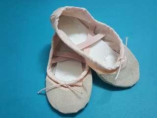男女童 全新 練功 芭蕾舞 中國舞 舞蹈技巧鞋 軟底綁帶跳舞鞋 碼數25號(粉肉色)