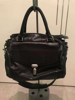 $380[👜95%New and Real, 九成五新及正品 ] Rabeanco Leather Black Hand bag(with strip) /黑色真皮手袋 (有附肩帶)