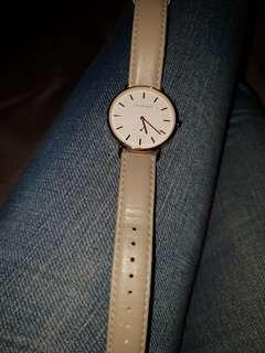 The horse taupe/ rose gold