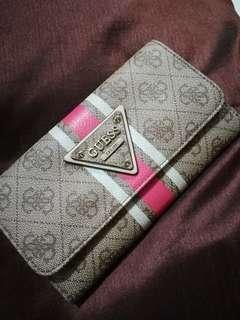 Guess long wallet