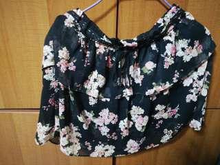 Bershka skirt that suffocates me