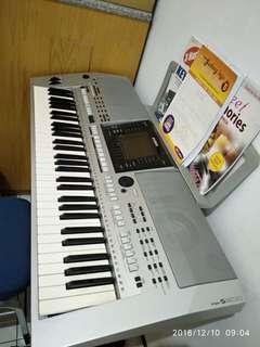 PIANO YAMAHA PSR900