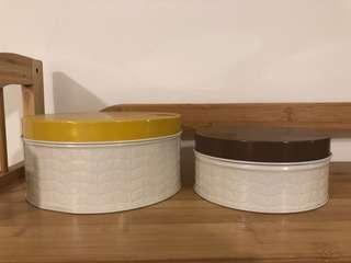New Orla Kiely tin boxes 兩個套裝鋁罐
