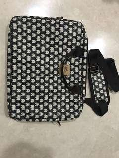 """Laptop bag from Taiwan (fits up to 14"""" laptop)"""