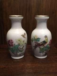 七八十年代景徳鎮製花鳥小瓶一對