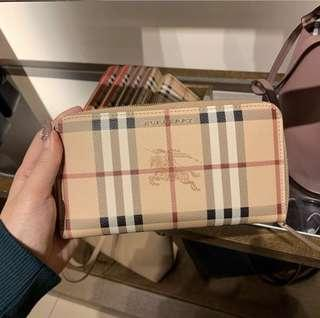 Burberry Round Zip Wallet