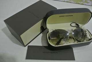 Louis Vuitton Shade - DAISY BLACK U