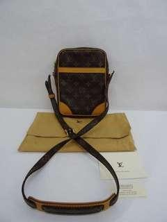 43967ae0e3c9 Authentic vintage LV Sling Bag camera bag