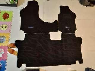 全新 H1 原裝地毯