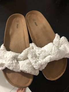 Max sandals