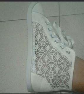 White shoes Size 38