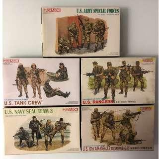 Rare Vintage Dragon Series Soldiers and Tank Model Kit Free Soldier Miniature