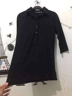 Uniqlo tshirt stretch hitam ori
