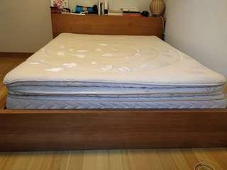 🚚 Mattress + bed frame + headboard storage