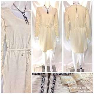 👗Cream colored dress