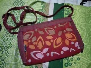 Red sling bag/ tas slempang ethnic makara midili sweet leaf