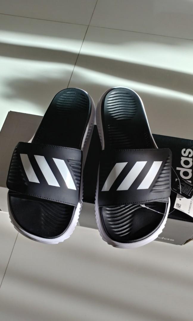 55624f50f7ab04 Adidas Alphabounce slides