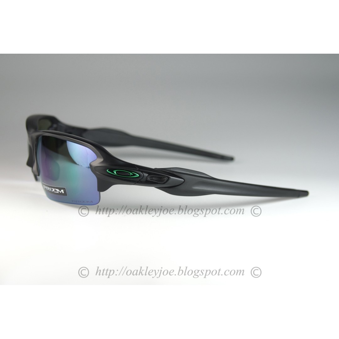 d322879bde Oakley Oo Polarized Commit Sq